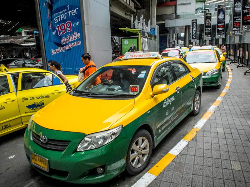 bi-quyet-di-chuyen-bang-taxi-tai-bangkok-001