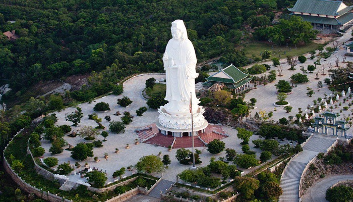 Chùa Linh Ứng, điểm du lịch tâm linh tại phố biển Đà Nẵng