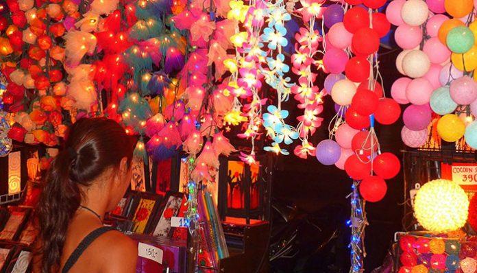 top-10-diem-den-mua-sam-o-bangkok-khu-khao-san