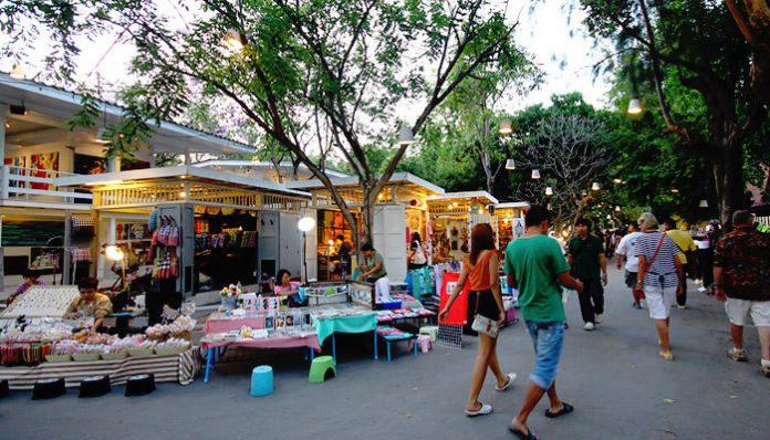 chợ cicada market