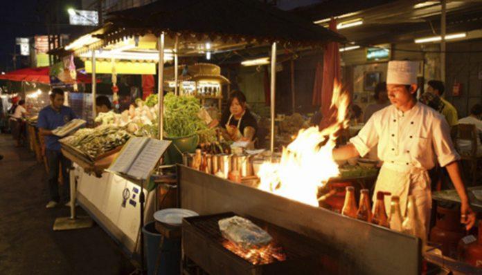 Hua Hin Night Market và Chat Chai Night Market at Prachuap Khiri Khan