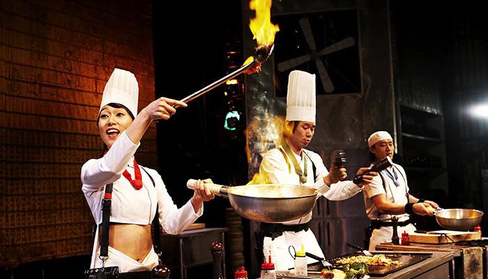 Sự kết hợp giữa hài kịch, nhạc cụ dân tộc và ẩm thực chính là những gì mà Cookin Nanta mang đến