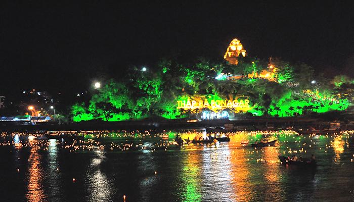 Lễ hội Tháp Bà Ponagar tại Nha Trang