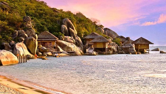 Một góc vịnh Vân Phong khi chiều tà