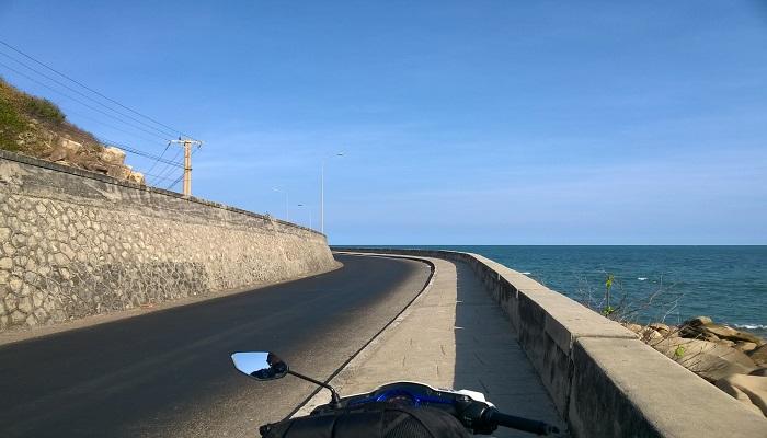 Con đường tuyệt đẹp tại Long Hải