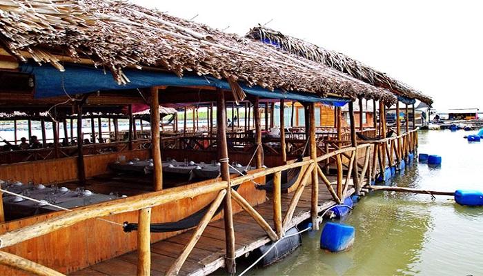 Nhà hàng nước nổi Long Sơn