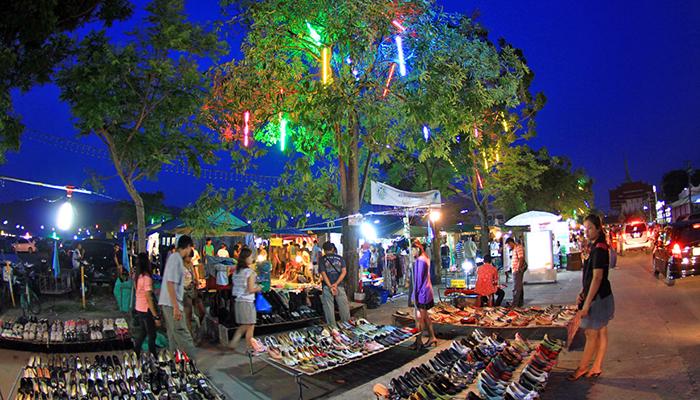 Đến chợ đêm Phuket như thế nào?