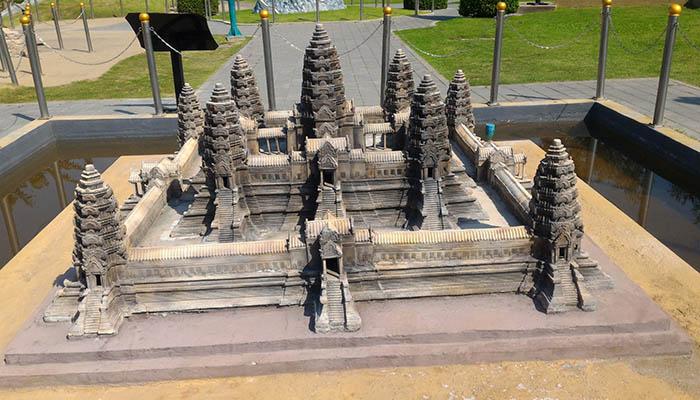 Kinh nghiệm đi Dream World Bangkok - 7 wonder