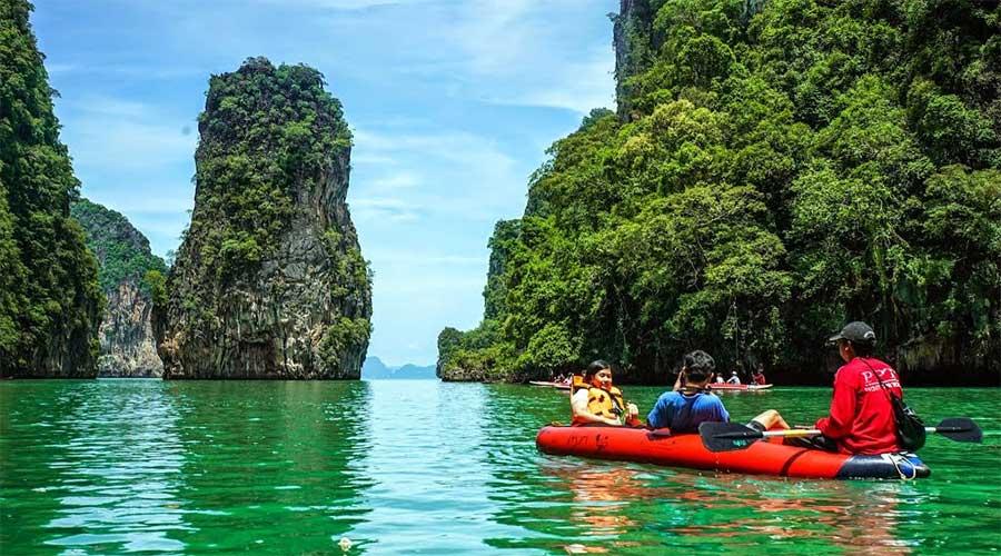 Chèo thuyền kayak để tự mình chinh phục Koh Phang Nga
