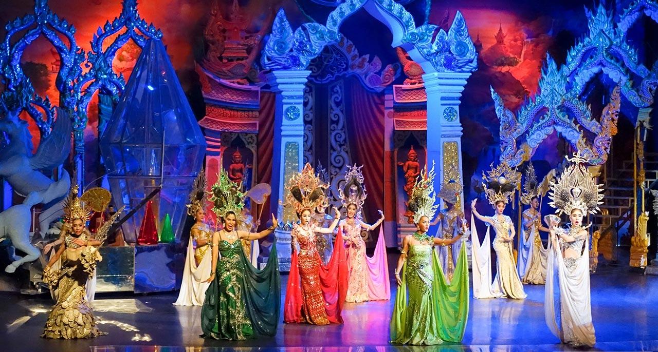 Cabaret shows công phu và hoành tráng của các vũ công chuyển giới