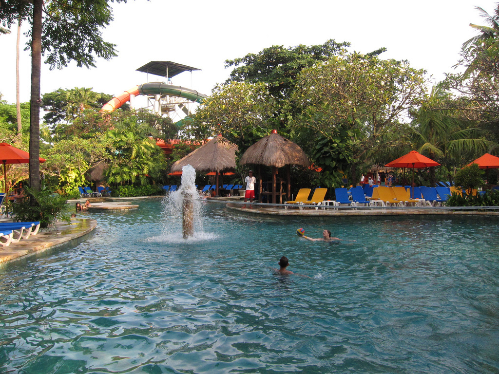 Hệ thống nước khử trùng công nghệ hiện đại bảo đảm an toàn cho các du khách