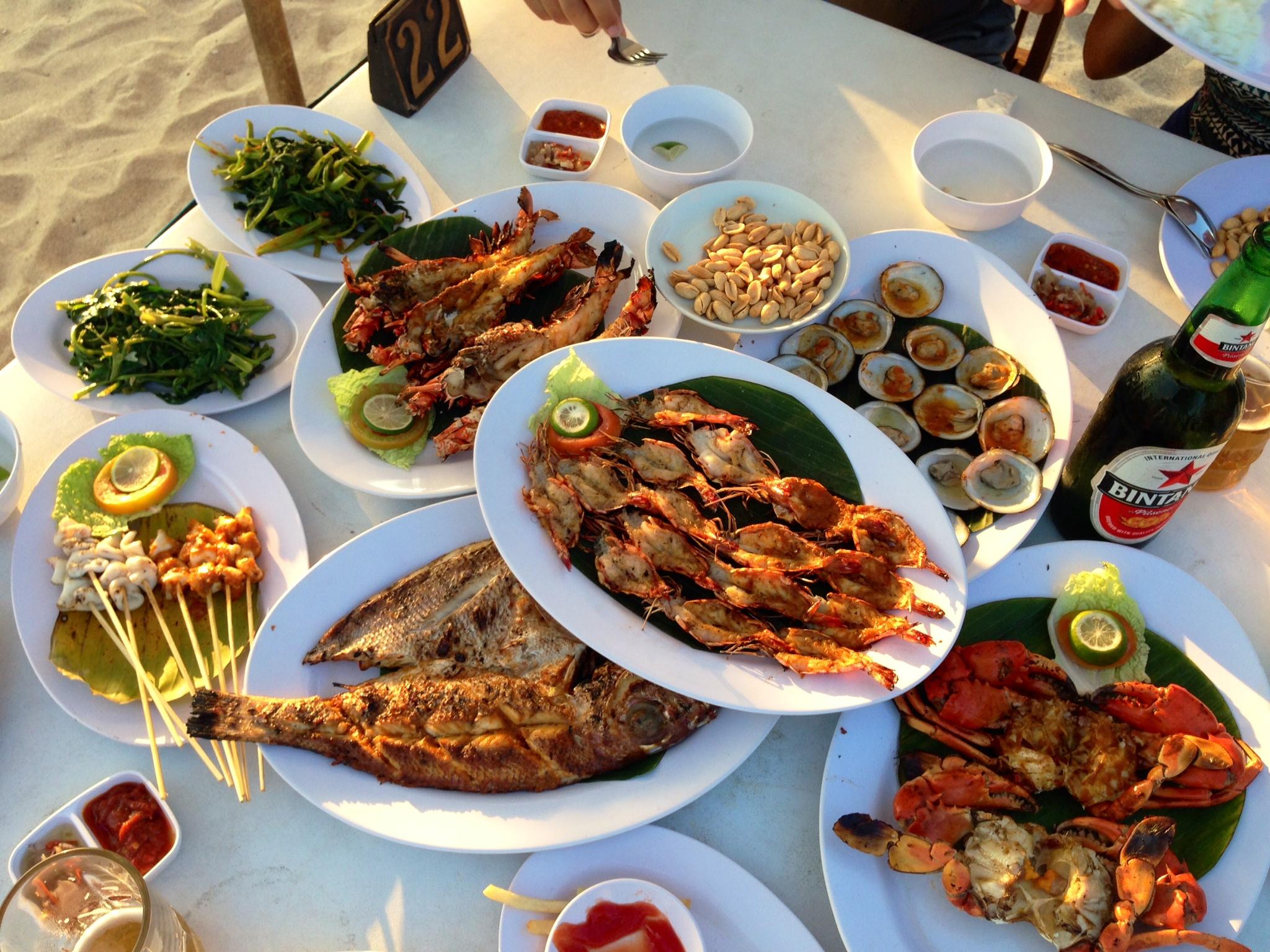 Bữa tối lãng mạn trên vịnh Jimbaran Bali
