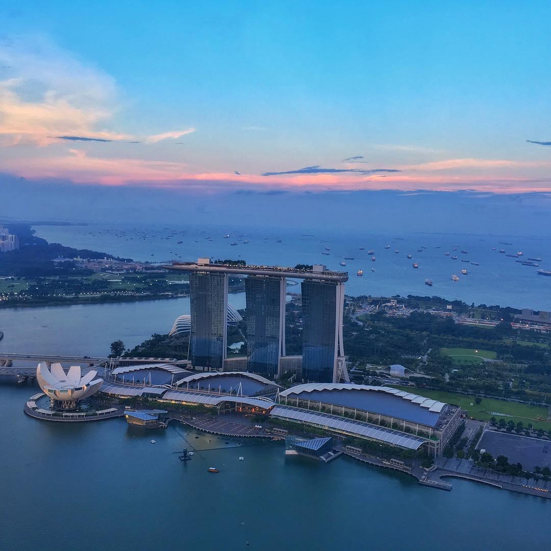 Singapore tuyệt đẹp trong ráng chiều khi nhìn từ 1-Altitude