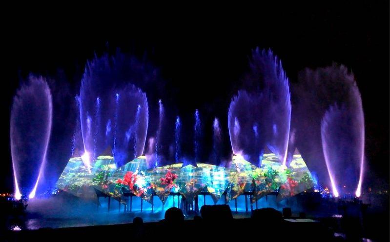 Màn biểu diễn nhạc nước ảo diệu sẽ diễn ra từ 19:30 – 20:00