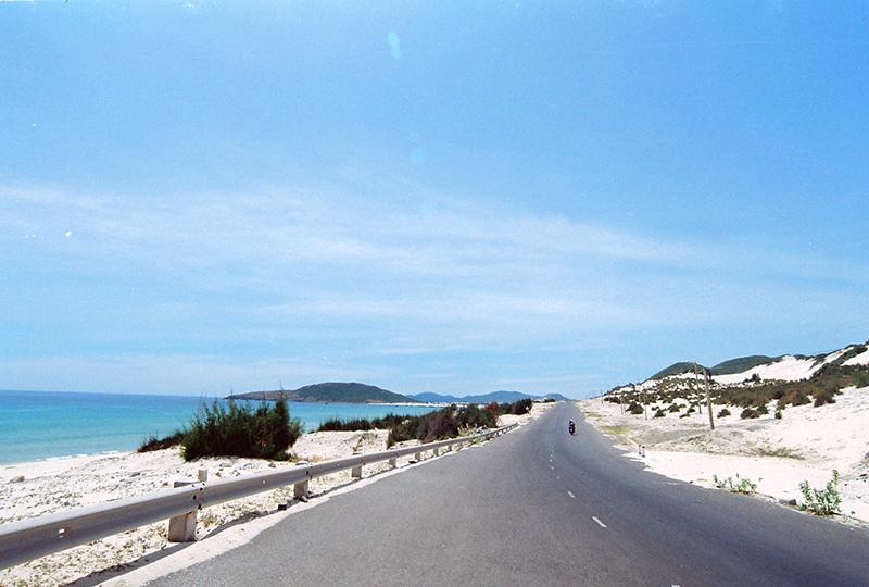 Cung đường biển đến với bãi Sơn Đừng