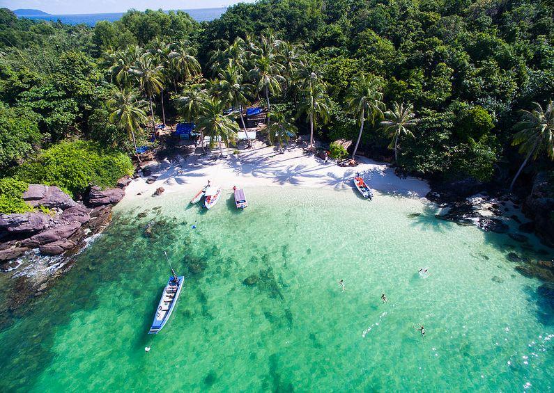 Biển đảo Phú Quốc không chỉ trong xanh, sạch đẹp mà còn rất hoang sơ, hữu tình