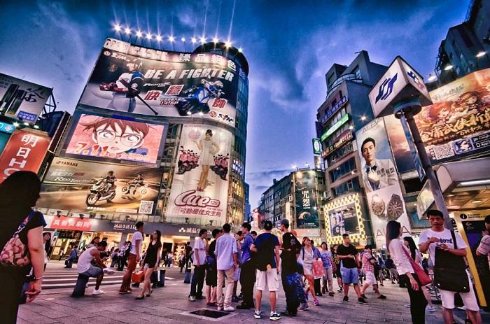 Khu chợ đêm sang chảnh Ximending luôn đông đúc và nhộn nhịp