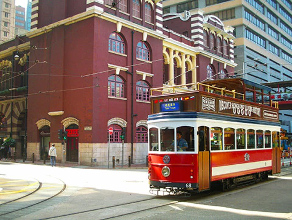 Chiếc xe điện cổ có tuổi thọ 100 năm Tramoramic của Hong Kong