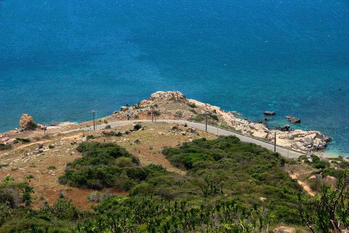 Con đường ven biển đẹp nhất Việt Nam