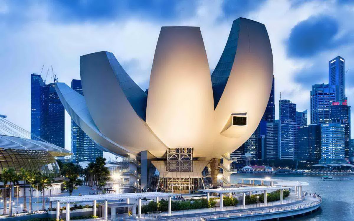 Toàn cảnh bảo tàng độc đáo ArtScience Museum của Singapore