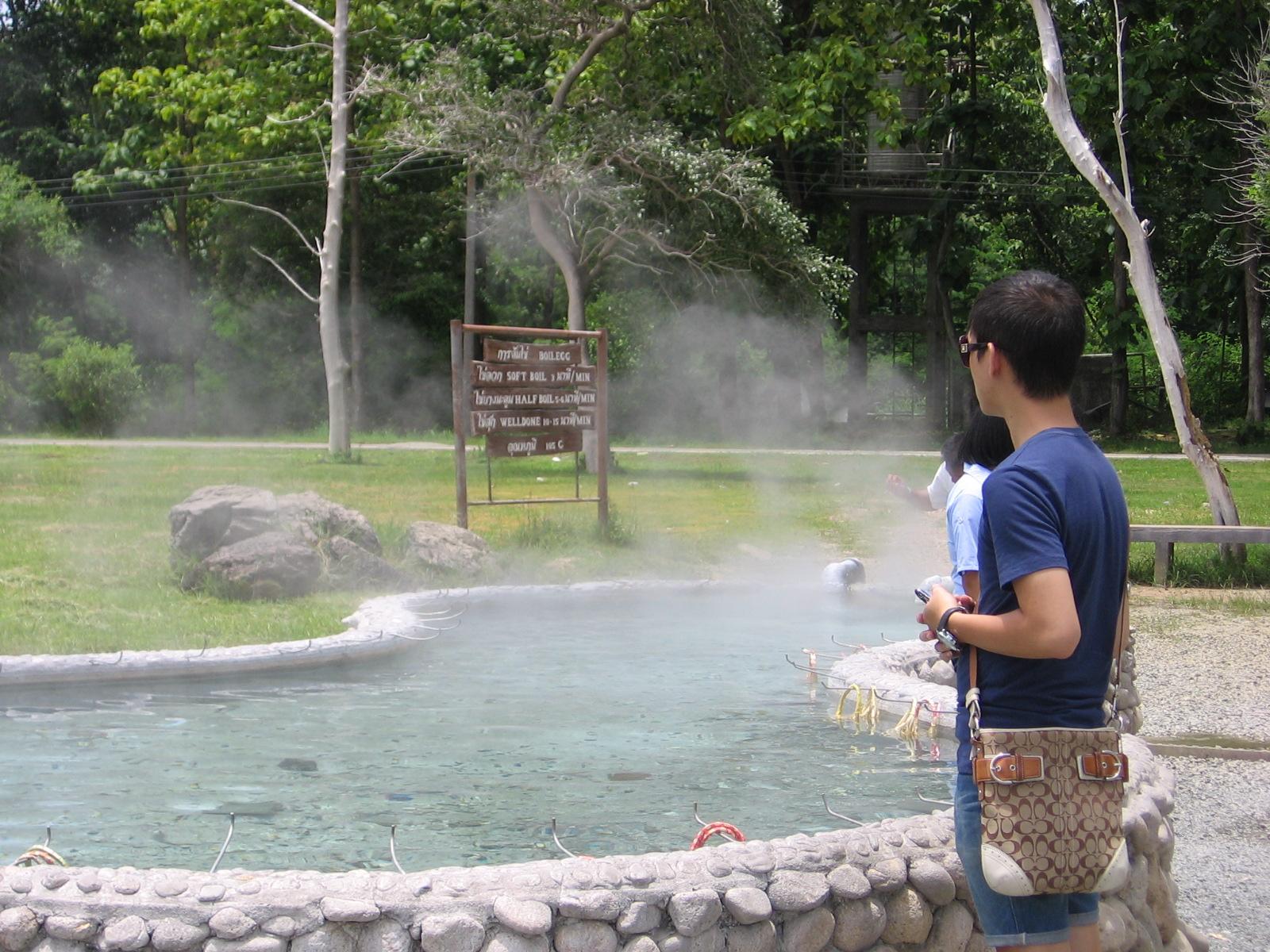 Nước suối Kampang nổi tiếng với đặc tính chữa bệnh và tốt cho sức khỏe