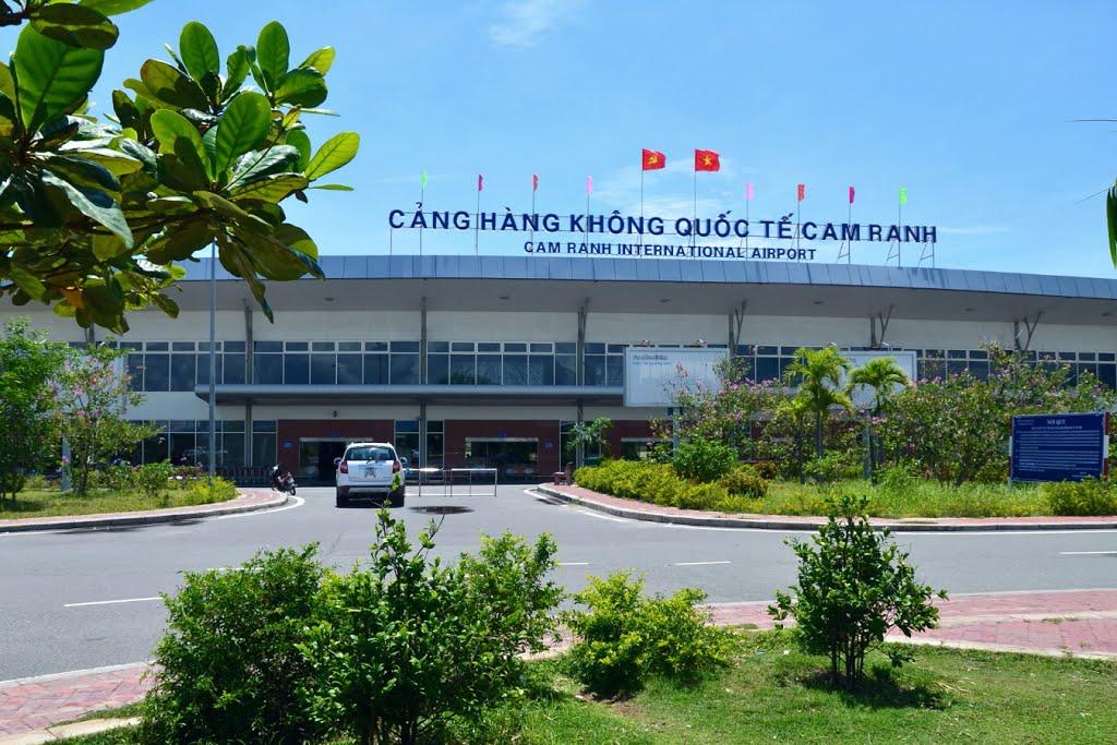 Sân bay Cam Ranh đón hàng triệu khách du lịch đến Nha Trang mỗi năm