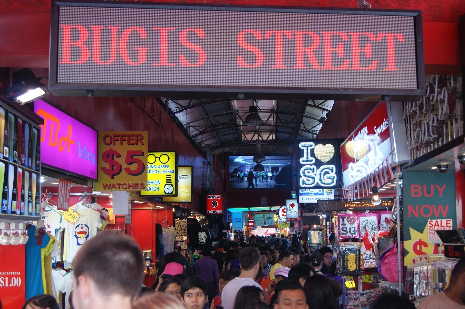 Chợ Bugis chính là nơi bạn có thể mua cả thế giới