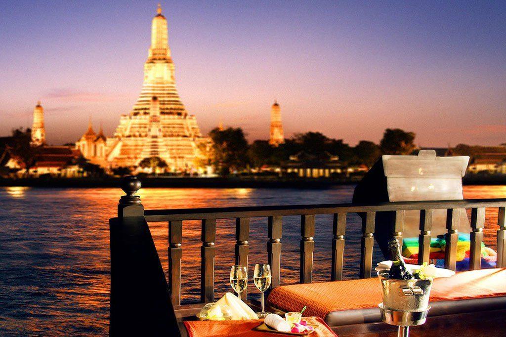 Bữa tối vừa lãng mạn vừa sang chảnh bên bờ sông Chao