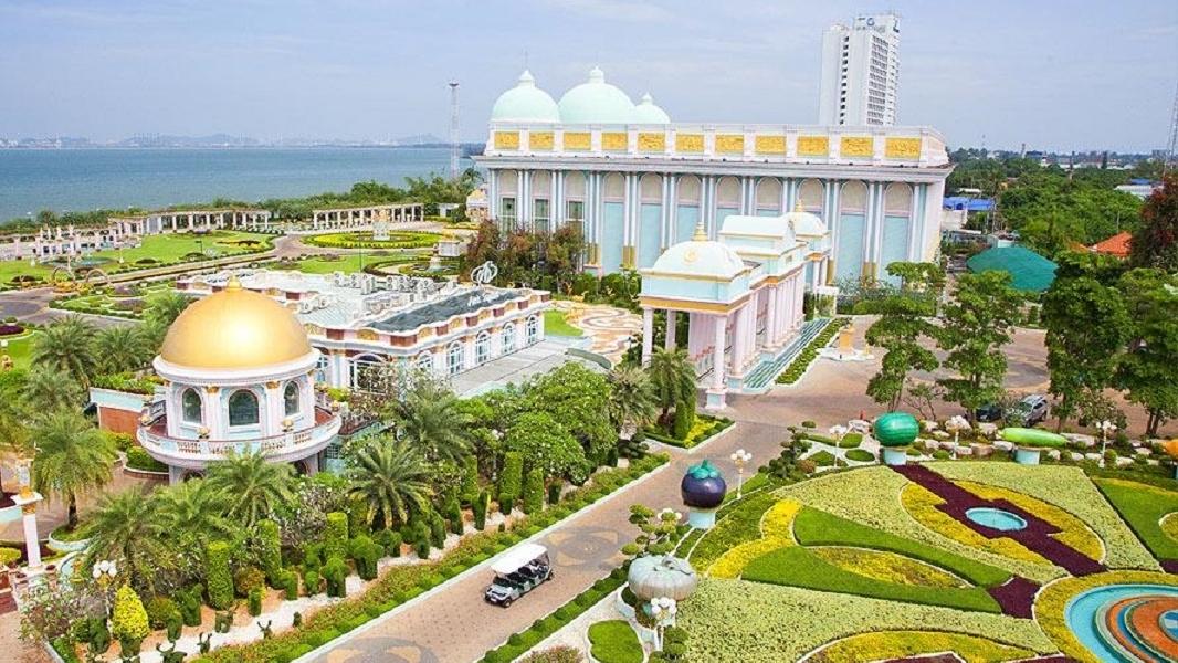 Baan Sukhawadee – lâu đài hạnh phúc của Pattaya