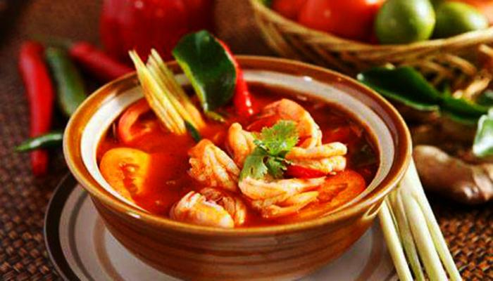 Tomyum là món ăn nổi tiếng.