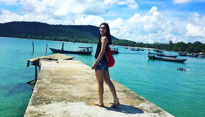 Đảo Koh Rong Saloem nằm cách đó không xa.
