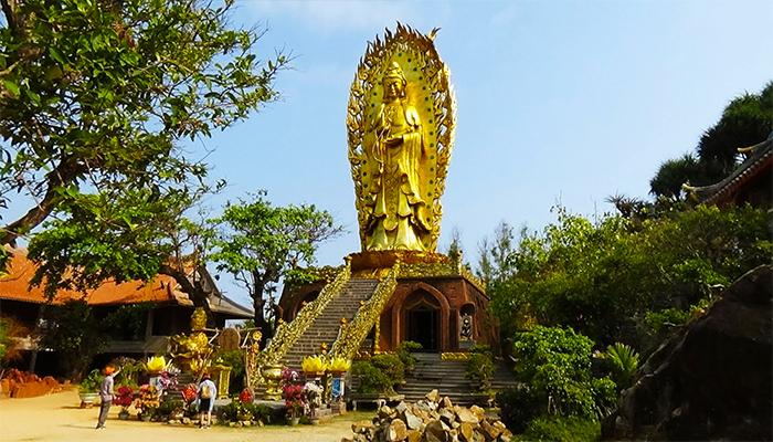 Tượng Phật đôi Quan Thế Âm cao nhất Việt Nam.