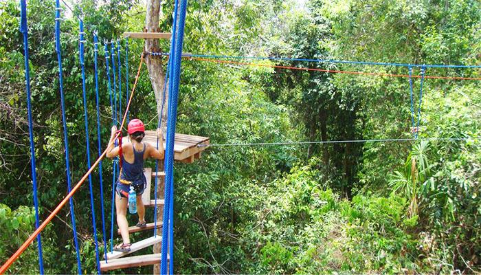 Thử thách zipline sẽ phù hợp cho bạn nào thích mạo hiểm và không sợ độ cao nè.
