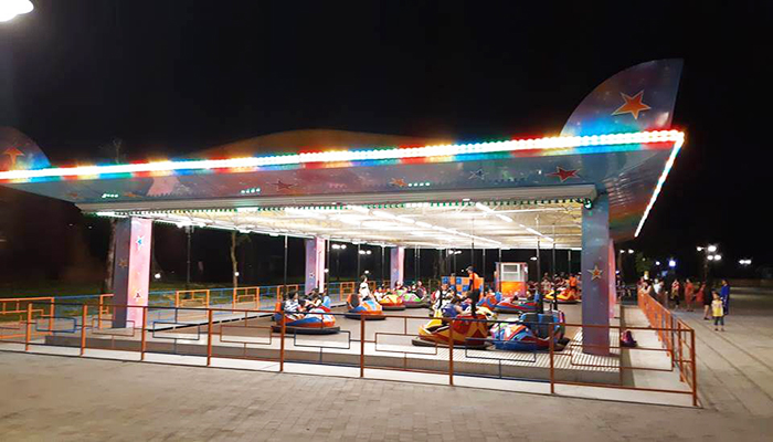 Khu trò chơi trong nhà được thiết kế trên diện tích 2000 m2. Với diện tích đó, bạn có thể thoải mái chơi những trò chơi giải trí trong nhà hàng đầu. Nguồn: kinhnghiemdulichdn.com