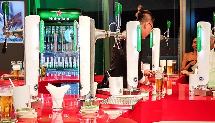 Khu vực thử nghiệm rót bia cũng là khu vực được mong chờ nhất trong cuộc hành trình. Nguồn: doanhnhanplus.vn