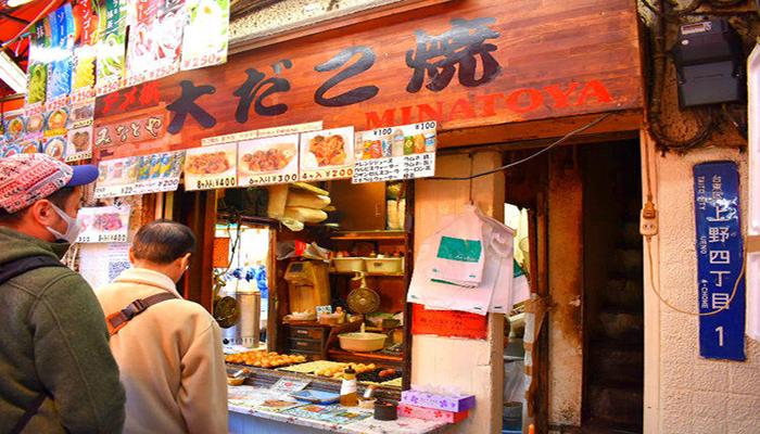 Lựa chọn ăn uống tại các khu streetfood vừa giúp bạn khám phá nét ẩm thực đường phố vừa tiết kiệm hầu bao. Nguồn: c-lj.gnst.jp