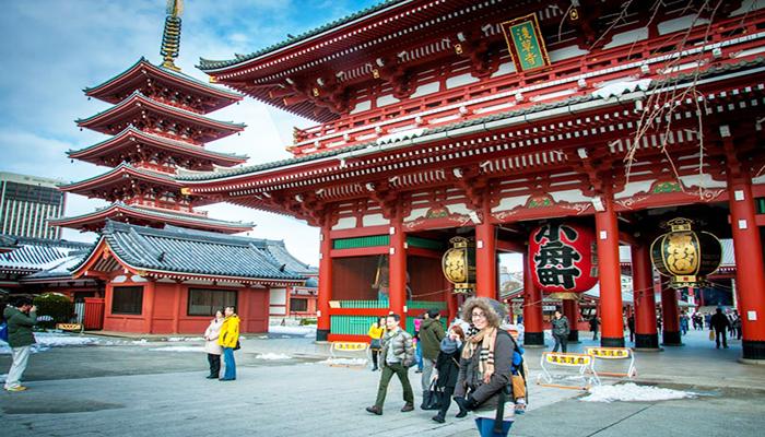 Viếng thăm chùa Senso-ji - ngôi chùa cổ nhất Tokyo với nét kiến trúc đậm chất Á Đông. Nguồn: globaltravel247.com.vn