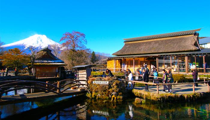 Làng Oshin Hakkai cũng là một trong những địa điểm ngắm núi Phú Sĩ tuyệt đẹp.