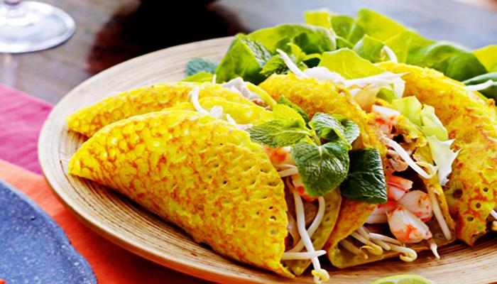 Món bánh xèo Giếng Bá Lễ nức tiếng phố Hội.