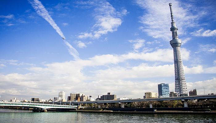 Đến tham quan Tokyo Skytree, bạn sẽ được ngắm nhìn toàn cảnh Tokyo ở độ cao 350m! Nguồn: cheapoguides.com