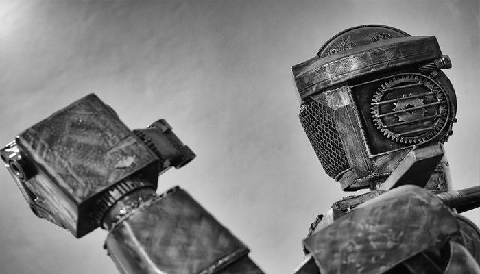 Hình ảnh một robot cổ đại bên trong bảo tàng.