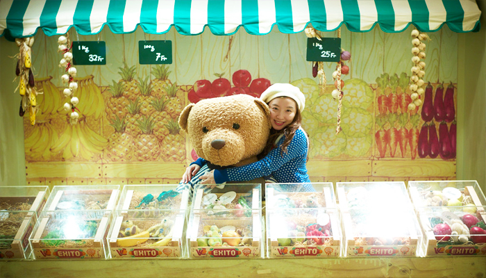 Không chỉ có những chú gấu nhỏ mới đáng yêu đâu, các chú gấu to luôn sẵn sàng đồng hành cùng bạn trong những bức ảnh xinh xắn đấy.