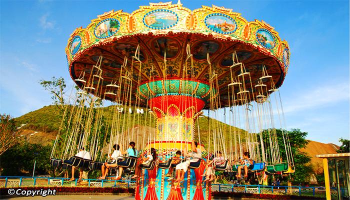 Merry-go-round trở về tuổi thơ. (Nguồn: vietnamguides)