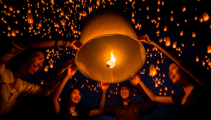 Kinh nghiệm đi lễ hội thả đèn trời Yi Peng Chiang Mai và Loy Krathong 2018
