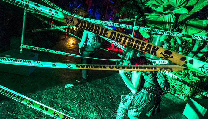 universal-studios-singapore-halloween-horror-nights-8-zombie-laser-tag-obstacle-tapes