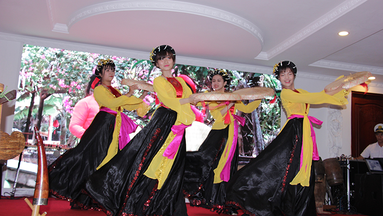 buffet-toi-tau-Indochina-Queen