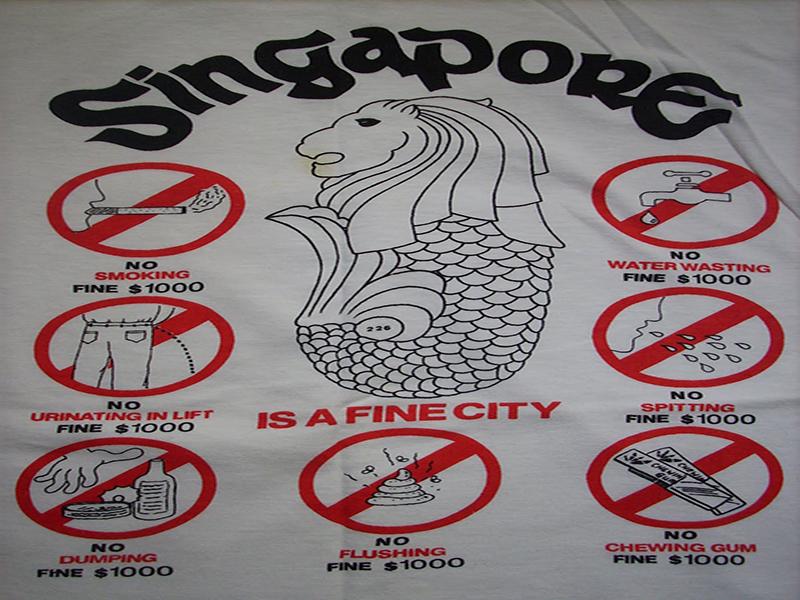 """Chiếc áo thun """"huyền thoại"""" về thành phố Singapore"""
