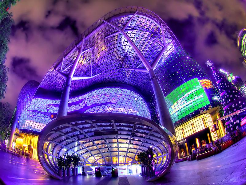 Trung tâm mua sắm ION Orchard rực rỡ ánh đèn