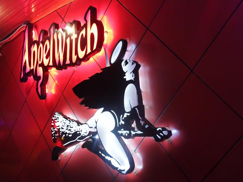 Angelwitch Go Go Bar tại Nana Plaza