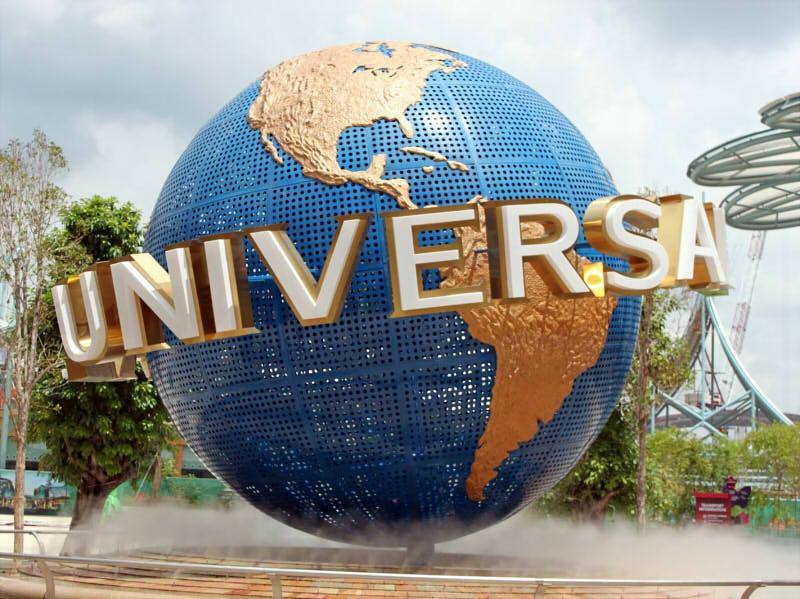 Kinh nghiem di universal studio singapore - Quả cầu biểu tượng hãng phim Universal tại cổng vào USS